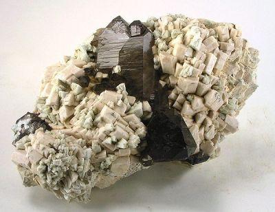 Quartz (Var: Smoky Quartz), Microcline, Albite