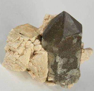 Quartz (Var: Smoky Quartz), Microcline