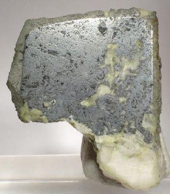 Safflorite, Lollingite, Rammelsbergite