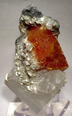 Scheelite, Fluorite, Muscovite