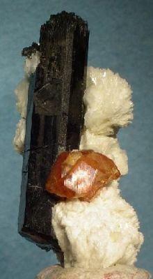 Spessartine, Schorl, Albite (Var: Cleavelandite)