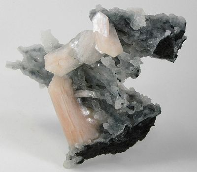Stilbite-Ca, Quartz (Var: Chalcedony)