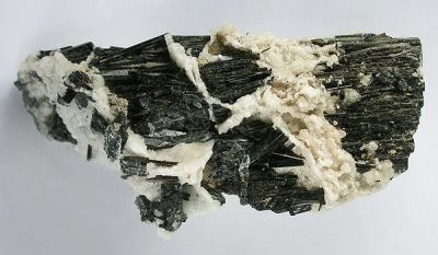 Stokesite, Schorl