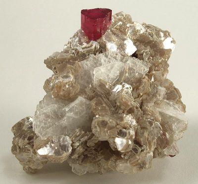 Tourmaline (Var: Rubellite), Lepidolite, Albite (Var: Cleavelandite)