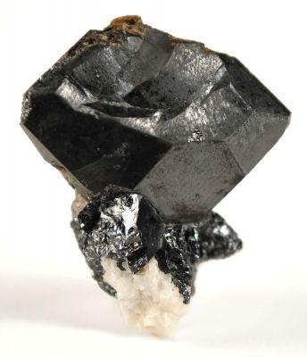 Niobium-Rich Rutile