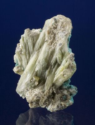 Lanarkite With Susannite and Macphersonite