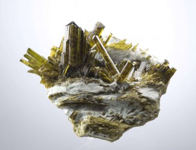 Epidote on Byssolite