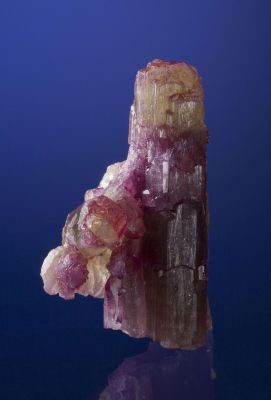 Vesuvianite Var. Manganoan