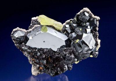Hematite With Ettringite