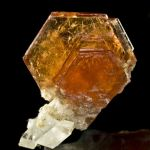 Bastnaesite-Ce on Calcite