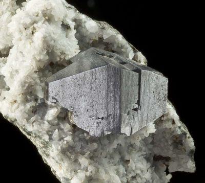Anatase on Calcite