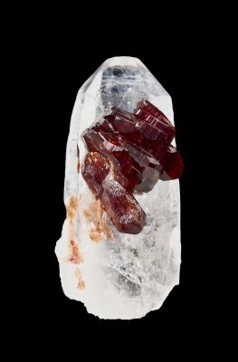 Uvite on Quartz