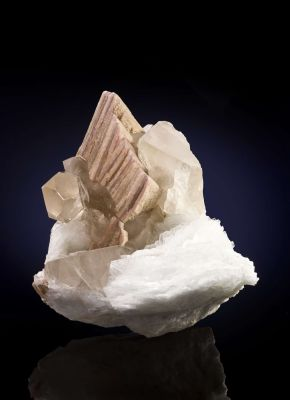 Lepidolite, Cleavelandite and Quartz