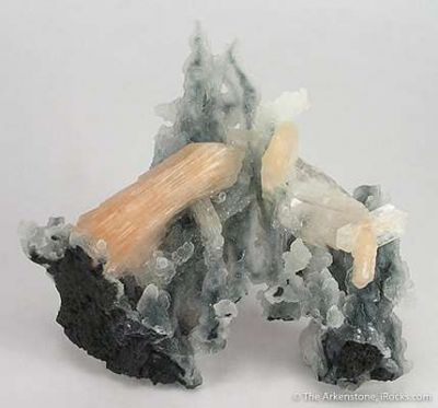 Stilbite on Chalcedony Stalactites
