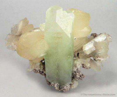 Fluorapophyllite and Stilbite