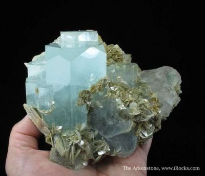 Aquamarine and Fluorite on Muscovite