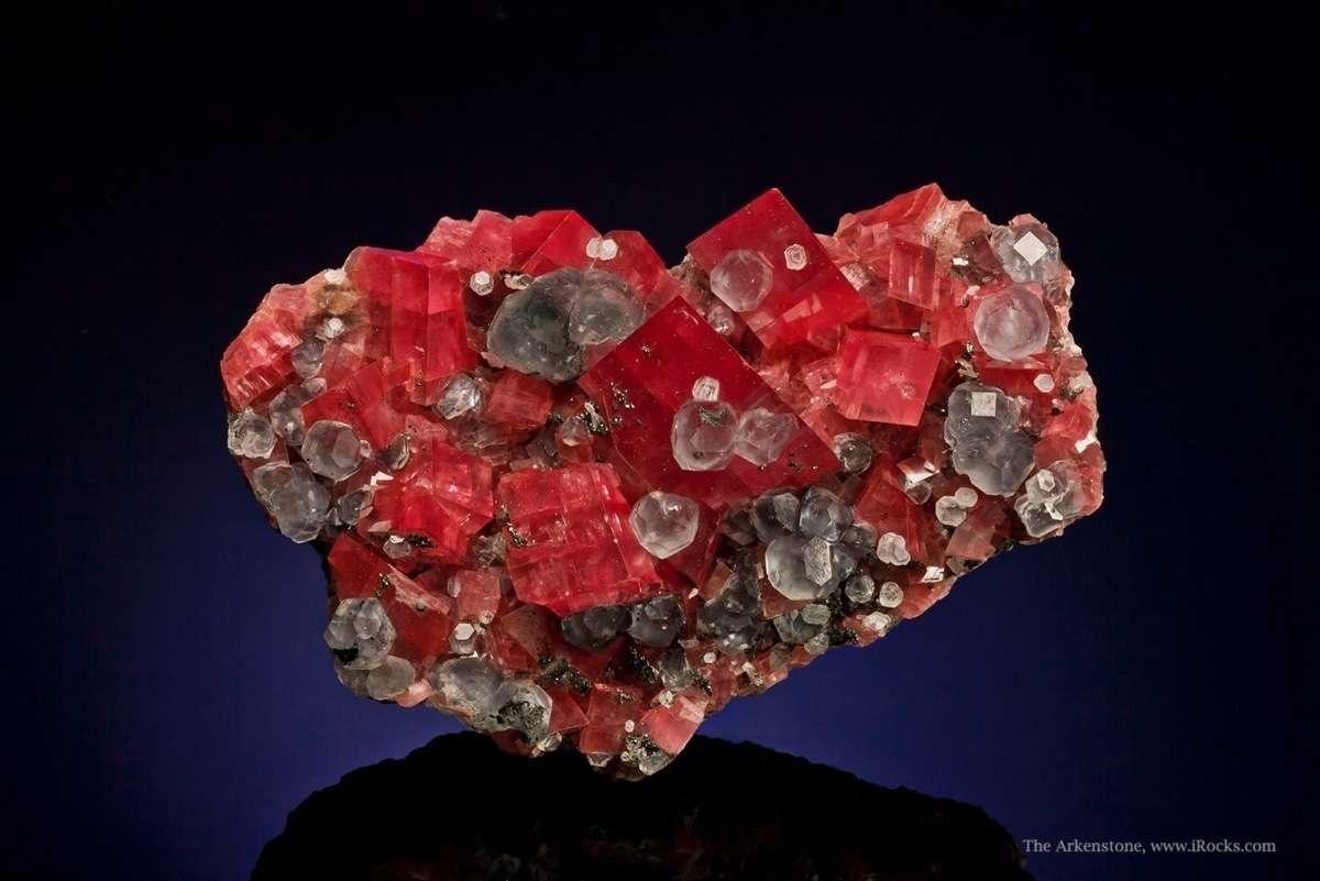 Rhodochrosite With Fluorite Tuc14b 1317 Mini King