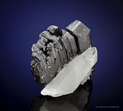 Hubnerite With Quartz
