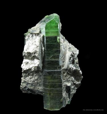 Diopside (Var. Chromian Diopside) in Cobaltite