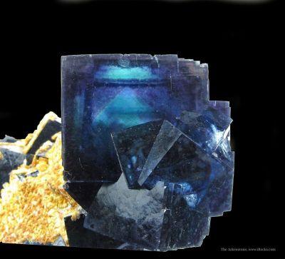 Fluorite and Calcite (Fluorescent)