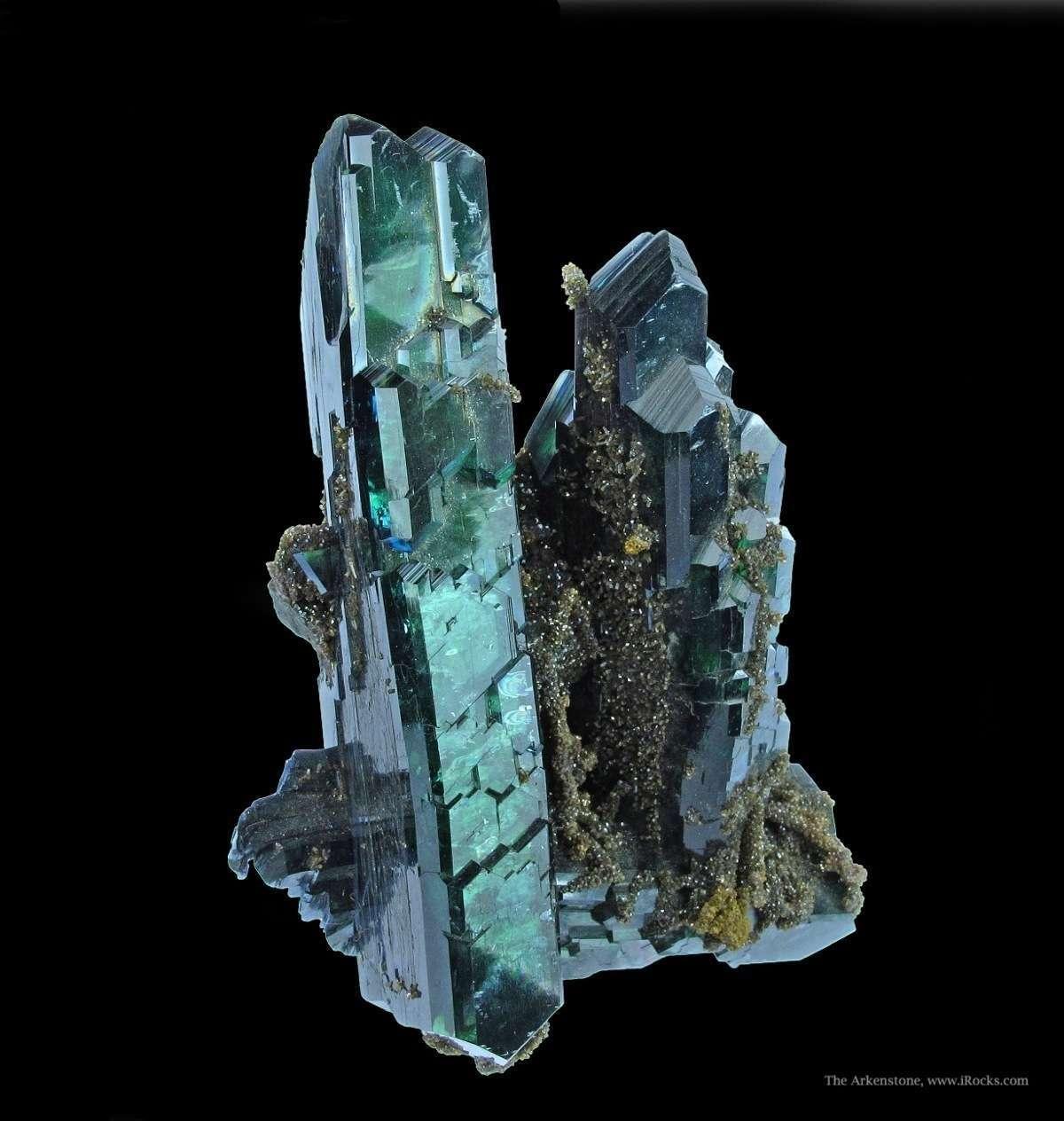 фото кристалла вивианит является самодостаточной сущностью