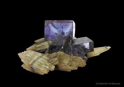 Calcite (Dt, Fluorescent) on Fluorite
