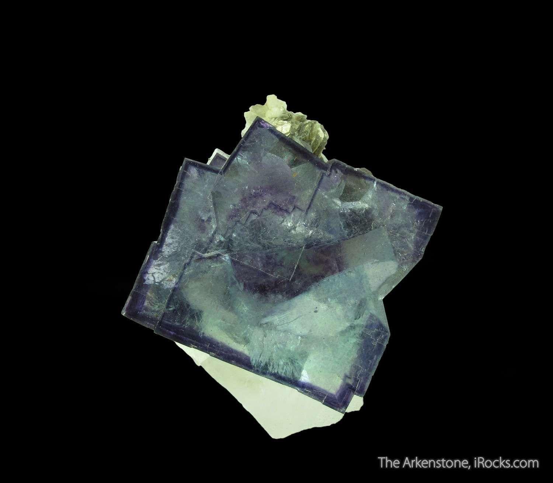 Fluorite Fluorescent On Quartz Soreg15 125