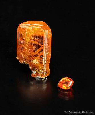 Wulfenite (rough and cut set)
