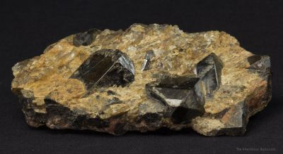 Gadolinite-(Y) with Quartz and Biotite