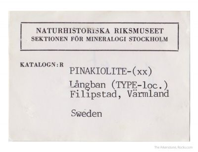 Pinakiolite
