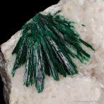 Malachite (primary) on Calcite