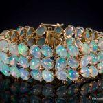 Opal in 18k Gold bracelet
