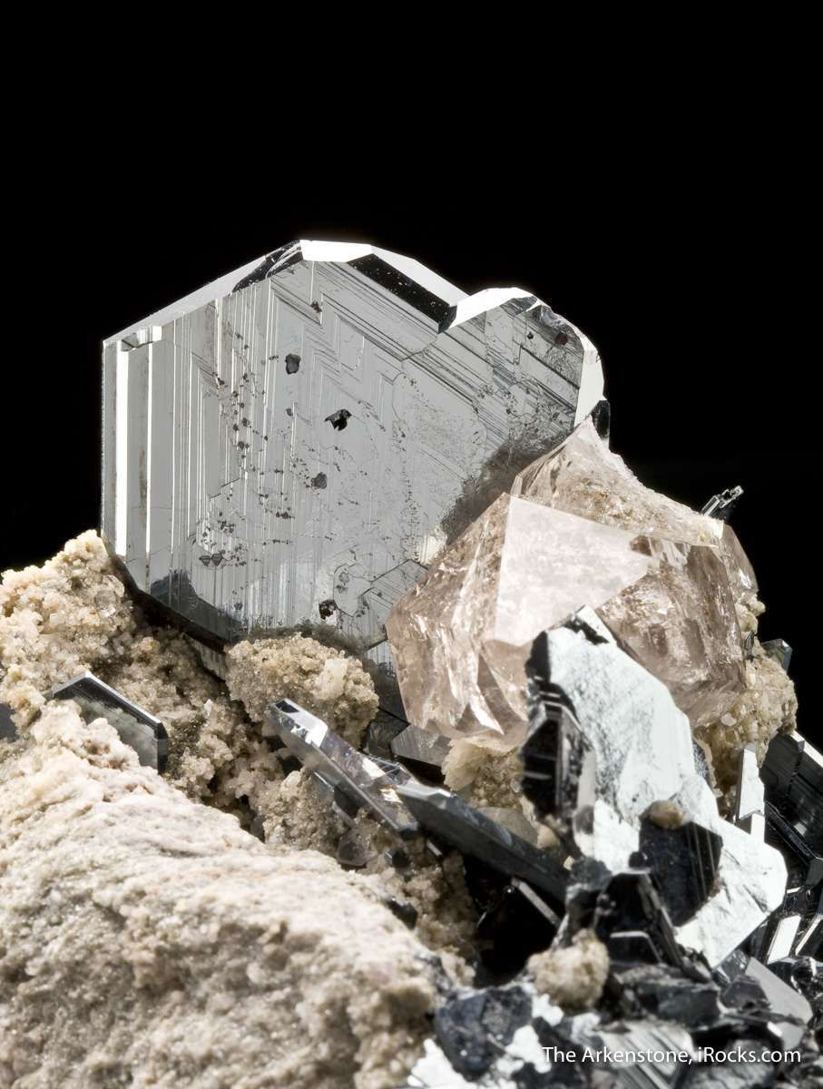Hematite and Quartz on Granite