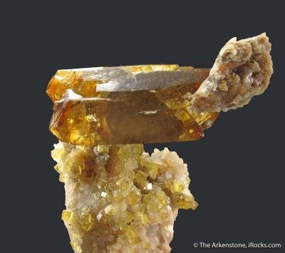 Baryte and Fluorite on Quartz