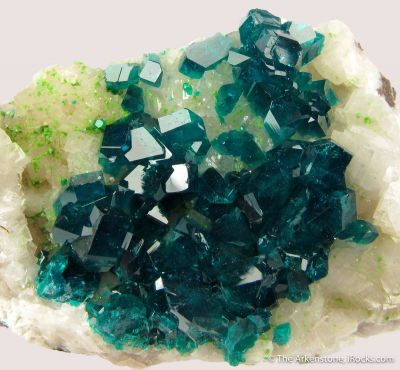 Dioptase on Calcite with Duftite