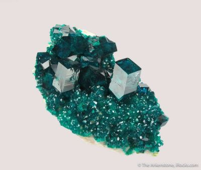 Dioptase (2 generations) on Calcite