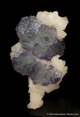 Fluorite (phantoms) on Calcite