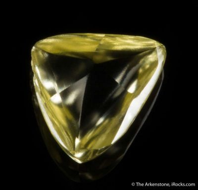 Yellow Diamond (macle twinned)