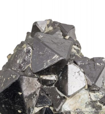 Magnetite (rare locale)