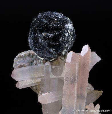 Hematite on Quartz