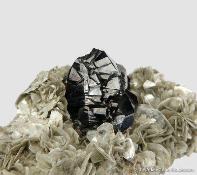 Cassiterite on Muscovite
