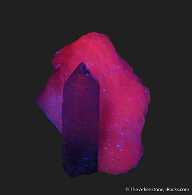 Quartz on Manganoan Calcite (fl)