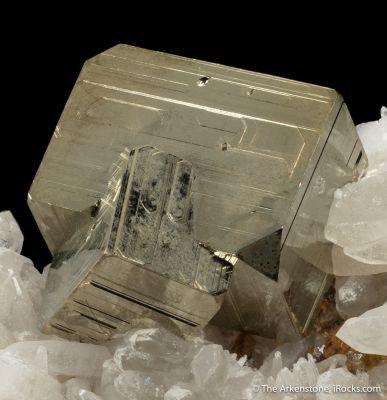 Pyrite, Scheelite and Quartz